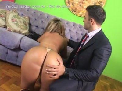 Alessandra Maia gozando pelo cu