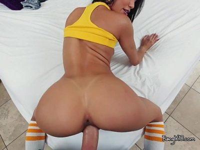 Veronica Rodriguez esfolando a boceta de tanto foder