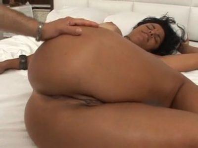 Morena deliciosa fudendo bem safada no porno brasileiro