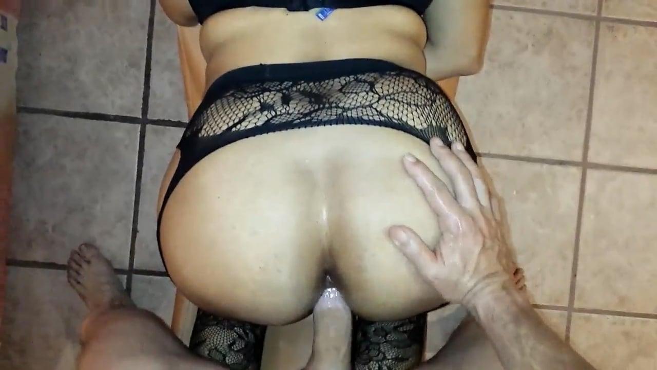 Corno libera a esposa pros amigos - 1 part 9