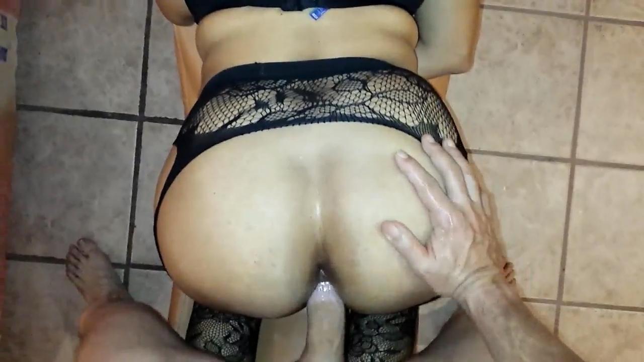 Corno libera a esposa com marquinha de bikini - 1 part 9